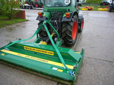 Fairwaymäher: 			MAJOR - ROLLERMOWER 8400